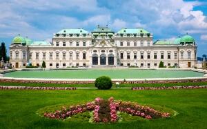 Le palais du Belvédère vu des jardins