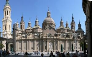 La Basilique Nuestra Señora del Pilar