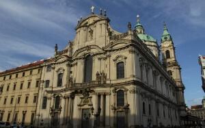 Eglise Saint-Nicolas au quartier Mala Strana