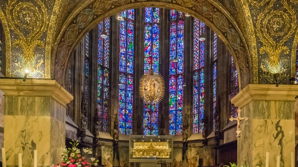 Autel de la cathédrale d'Aix-en-Chapelle