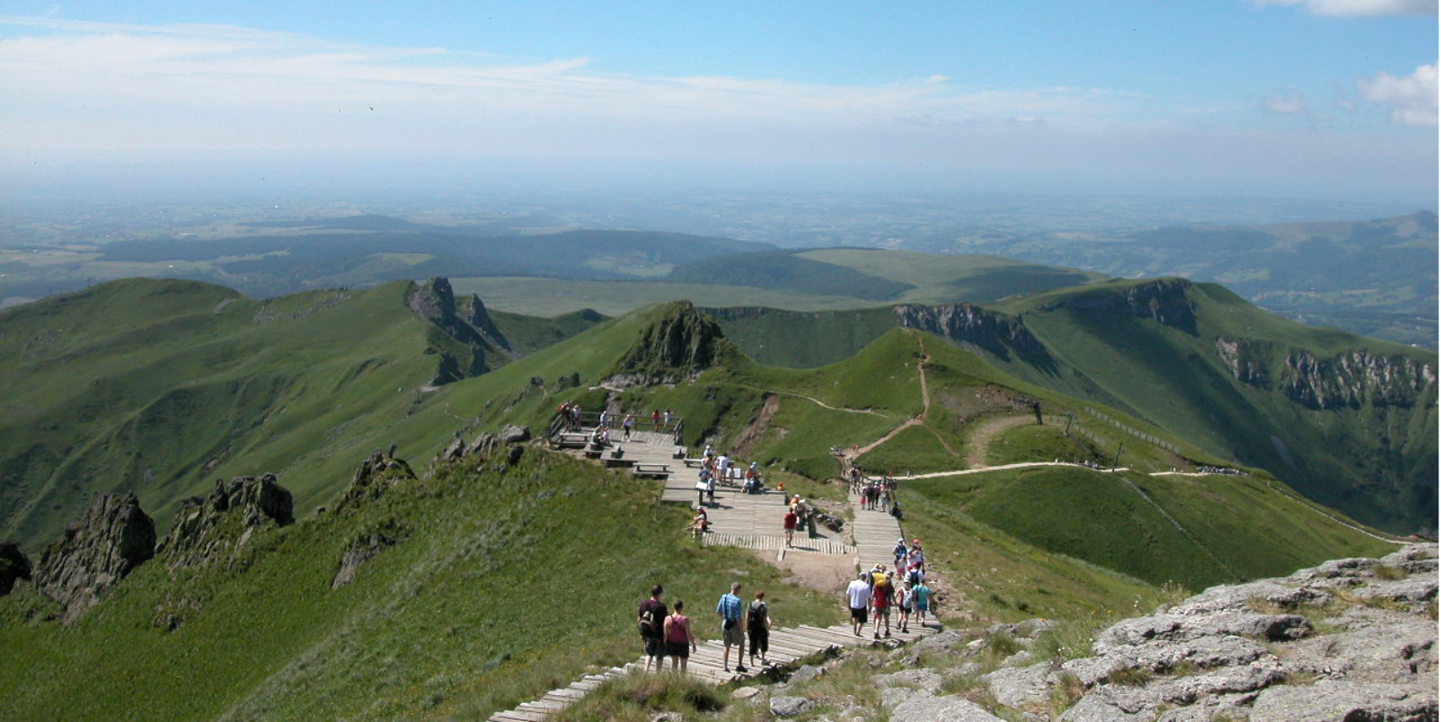 L 39 auvergne le pays des volcans auvergne rh ne alpes for Agence paysage grenoble